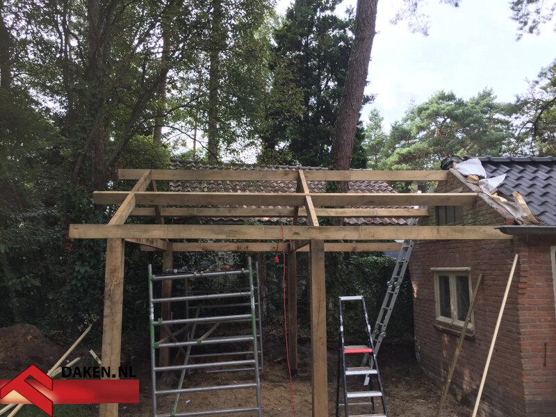 3-Aanbouw-Eikenhouten-Overkapping-Te-Soest-balken-skelet-1