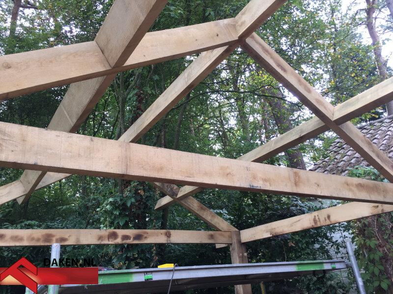 4-Aanbouw-Eikenhouten-Overkapping-Te-Soest-blaken-dak-1