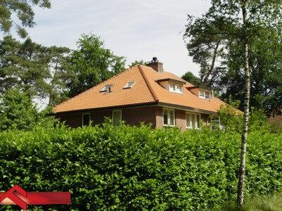 Nieuwe-dakpannen-dak-in-Zeist-400x300