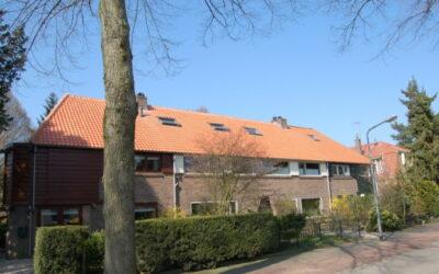 Dakrenovatie 4 woningen in Hilversum.